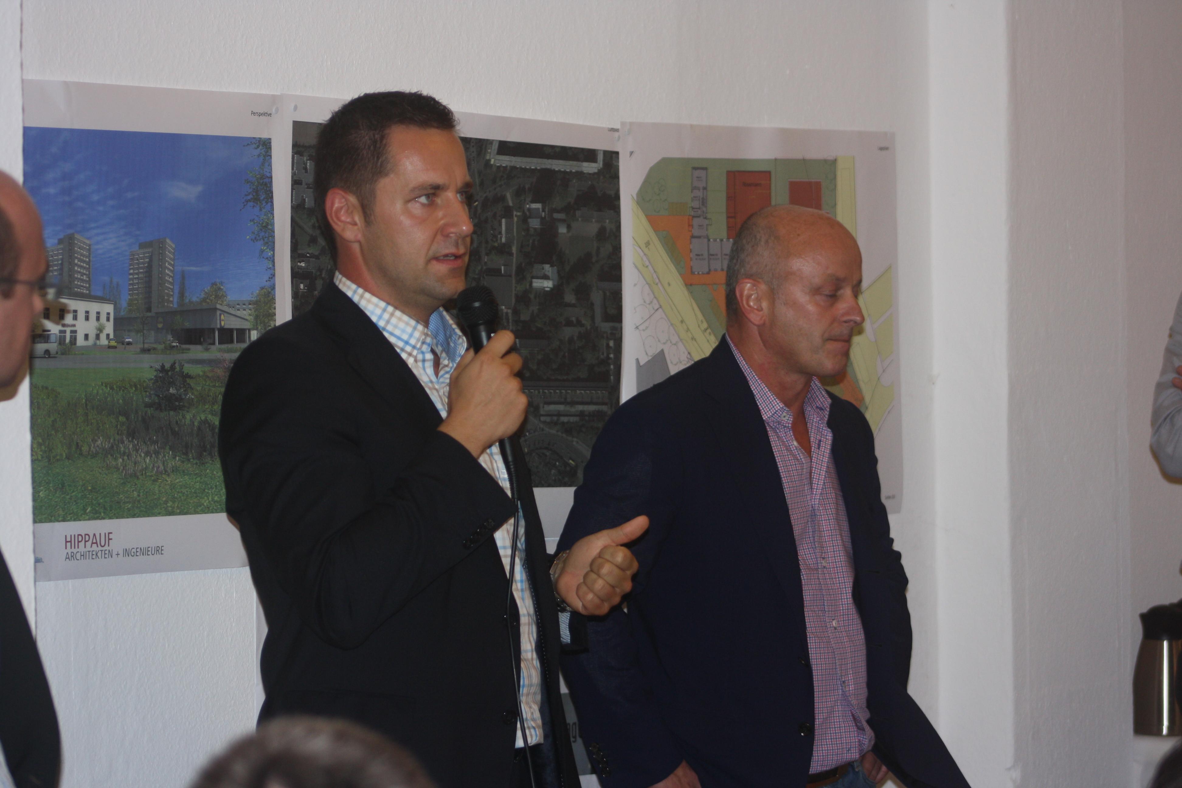 Lidl-Prokurist Marc Wilhelm (links) und Projektentwickler Frank Moritz von Stadtbild Projekt.