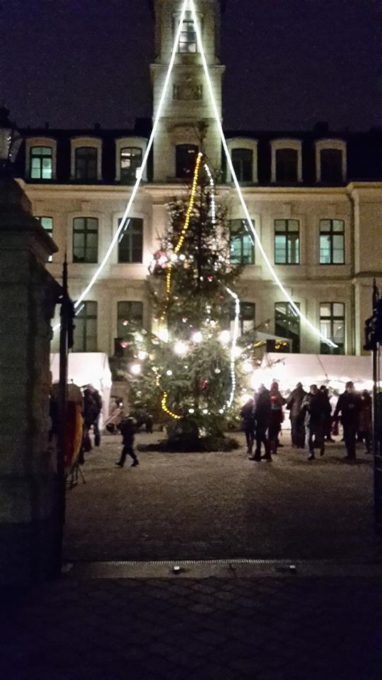 Glühwein und Waffeln – Tradition in Schönefeld